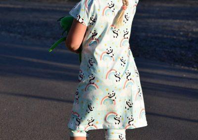 Schnittmuster Kinderkleid Manja Zierstoff01
